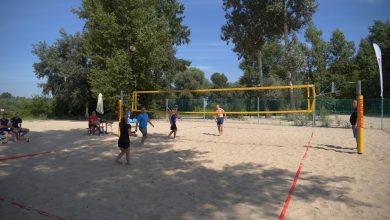 Photo of Grali w siatkówkę plażową w Marinie