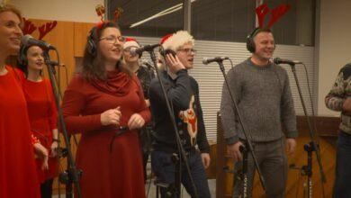 Photo of Dom Chemika śpiewa na święta [VIDEO]