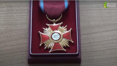 Photo of Lekarze z Puław nagrodzeni medalami [VIDEO]